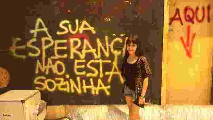 """Isabella Koppel, a Gabriela de """"Os Dias Eram Assim"""", no cenário de uma ação da campanha """"Criança Esperança""""  - Divulgação  - Divulgação"""