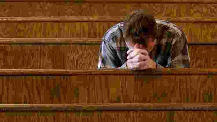oração, sofrimento, religião, igreja - Getty Images - Getty Images