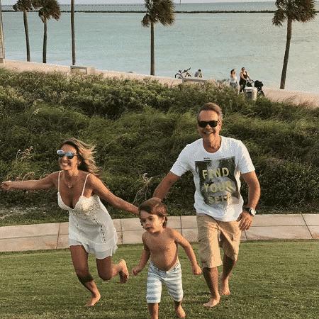 Luisa Mell com o filho, Enzo, e o então marido, Gilberto - Reprodução/Instagram/luisamell