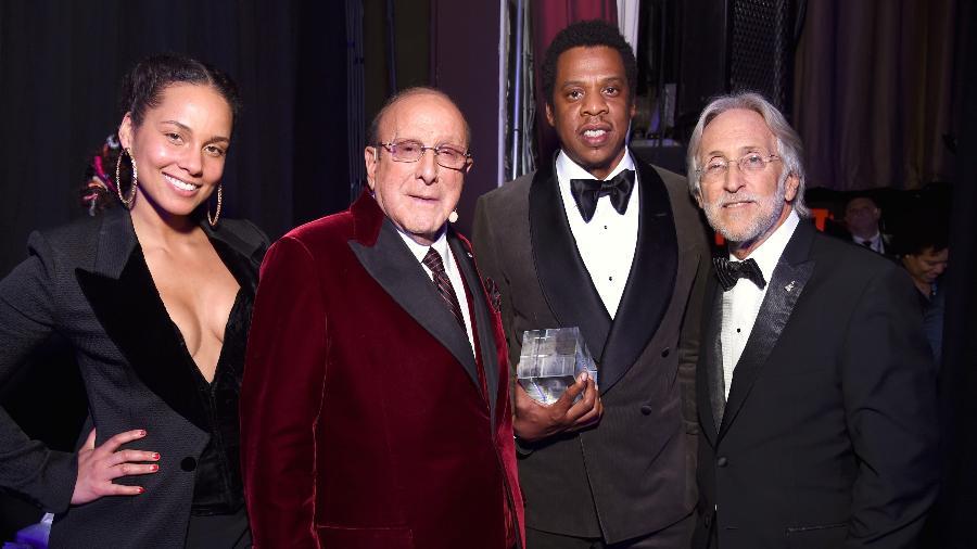 Alicia Keys, Clive Davis, Jay-Z e Neil Portnow em evento de gala pré-Grammy, em Nova York - Getty Images