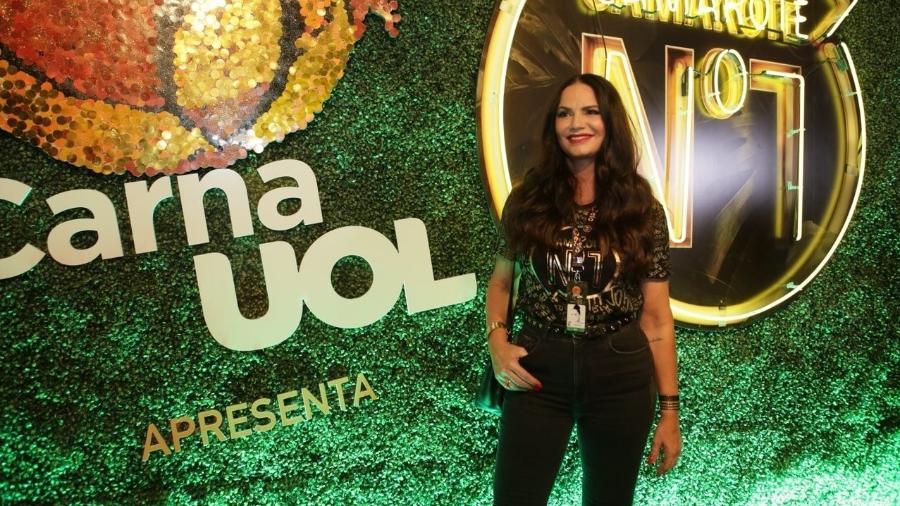 Luiza Brunet prestigia o camarote CarnaUOL RJ/N1, localizado no ponto mais privilegiado da Marquês de Sapucaí - Gianne Carvalho/UOL