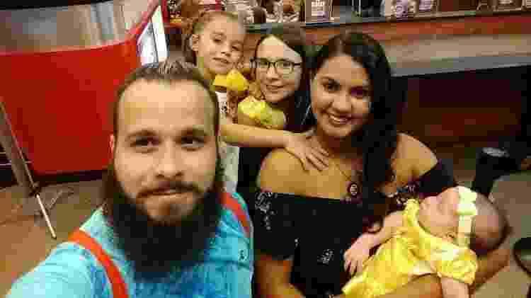 Jonattan, Thais e Yasmin com os filhos - Arquivo Pessoal - Arquivo Pessoal
