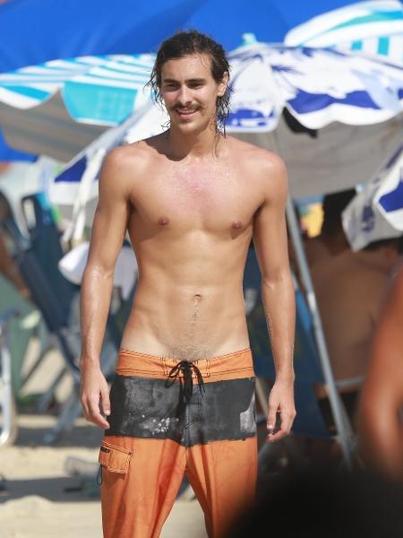 Bruno Montaleone se diverte em praia no Rio de Janeiro - Dilson Silva/AgNews