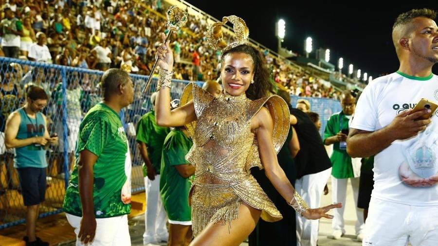 Quitéria Chagas no desfile da Império Serrano, no Rio de Janeiro - Roberto Filho/Brazil News