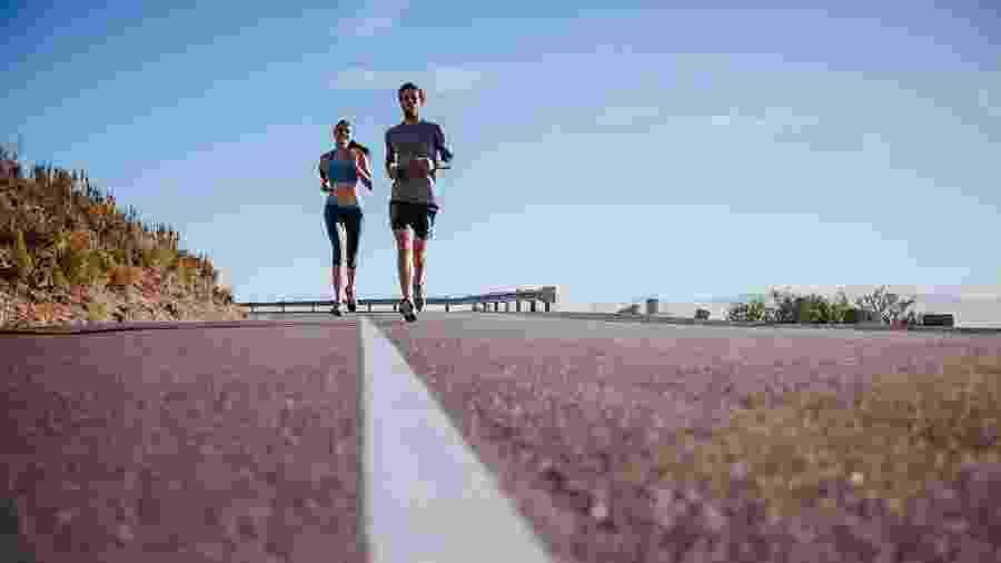 O treino longo ajuda a aumentar a resistência aeróbica e a força muscular e mental do corredor - iStock