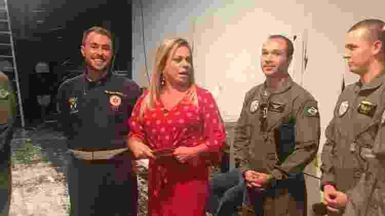 Christina Rocha conversa com militares da FAB no SBT - Gisele Alquas/UOL - Gisele Alquas/UOL