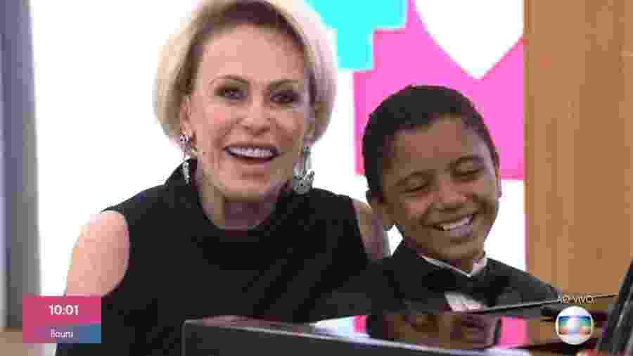 Ana Maria Braga com o pianista Isaque da Silva, garoto prodígio de 11 anos - Reprodução/Globo
