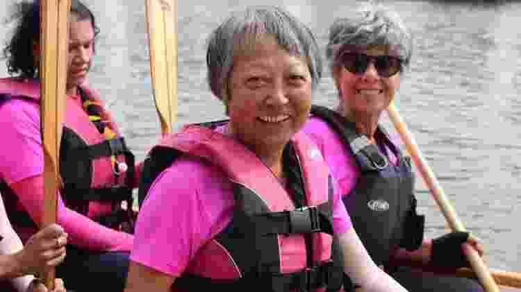 A capitã Etsuko Takaoka Saizaki, 68, é conhecida na equipe por ser praticamente uma triatleta - Natália Eiras/UOL