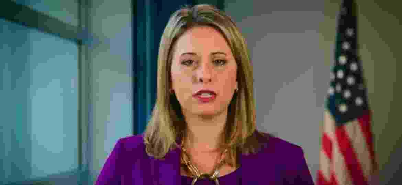 """A deputada americana Katie Hill teve fotos íntimas vazadas lança suspeita por """"marido abusivo"""" - Reprodução/YouTube"""