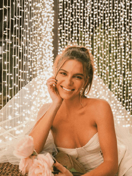 Mariana Goldfarb publicou foto com vestido de noiva - Reprodução/Instagram