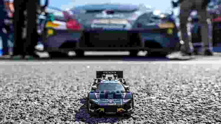 Versão Super Trofeo EVO do cupê Huracán também conta com kit de montar da Lego - Divulgação