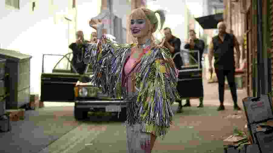 """Margot Robbie em cenas de """"Aves de Rapina: Arlequina e sua Emancipação Fantabulosa"""" - Divulgação"""