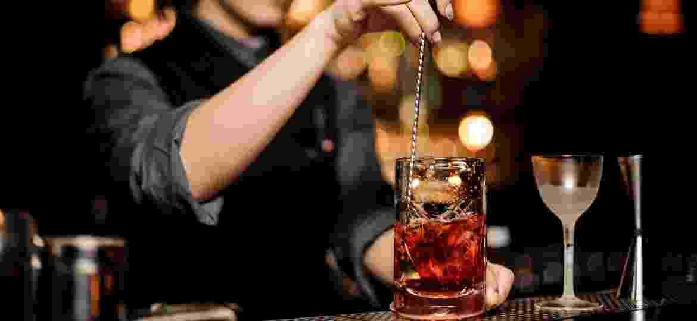 Misturar ou bater o drinque é mais que um charme, é a garantia de uma combinação perfeita - Getty Images/iStockphoto