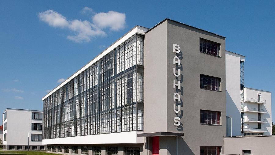 Fachada da escola Bauhaus em Dessau, Alemanha  - Bauhaus Dessau