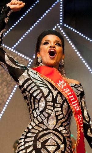 Verônica Bolani é eleita a rainha do carnaval paulistano de 2016, deixando para trás dez concorrentes de peso