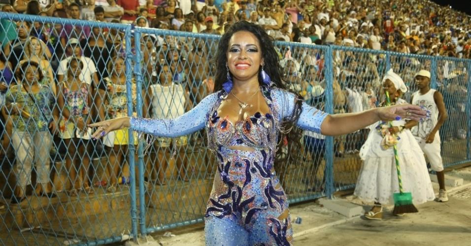 31.jan.2016 - Beija-Flor, campeã do Carnaval carioca de 2015, faz ensaio-técnico na Sapucaí uma semana antes dos desfiles do Grupo Especial