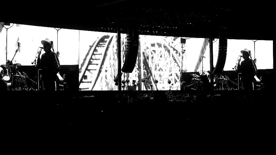 """7.out.2016 - Bob Dylan se apresenta para 75 mil pessoas na abertura do Desert Trip, o """"Festival do Século"""" - Frazer Harrison / Staff"""