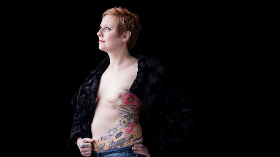 Nina Cristinacce e sua tatuagem: trabalho de três anos para cobrir cicatrizes de reconstuição após câncer de mama - Cancer Research