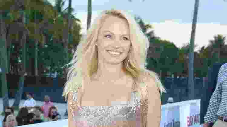 13.mai.2017 - Pamela Anderson vai à estreia de filme em Miami, nos Estados Unidos - Getty Images