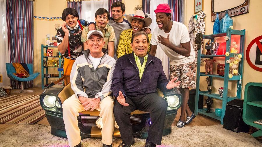 """Gui Santana, Lucas Veloso, Bruno Gissoni, Nego do Borel, Mumuzinho, Renato Aragão e Dedé Santana em """"Os Trapalhões"""" - Rafael Campos/Globo"""