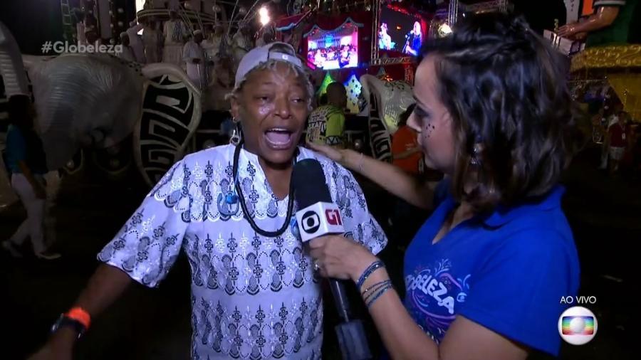 """A repórter Patricia Falcoski, da Globo, comete gafe e chama Mart""""nália de """"amiga"""" de Martinho da Vila, seu pai - Reprodução/TV Globo"""