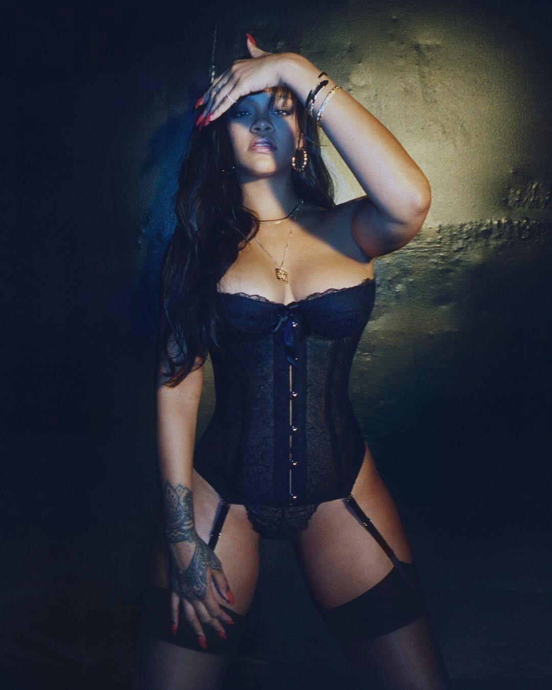 8db677cd7 Linha de lingerie de Rihanna oferece