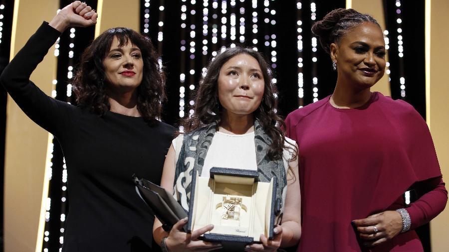 Samal Yeslyamova ganha prêmio de melhor atriz em Cannes - Stephane Mahe/Reuters