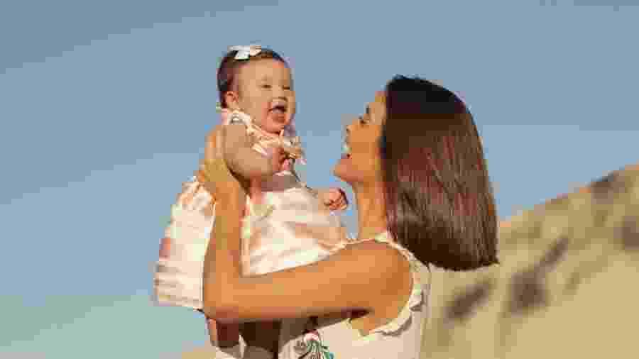 Letícia Almeida com a pequena Maria Madalena, de cinco meses - Fagner Soares/Divulgação