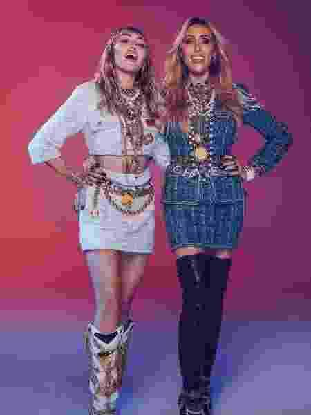"""Miley Cyrus e a mãe, Leticia Cyrus, no clipe de Mother""""s Daughter - Reprodução/Twitter"""