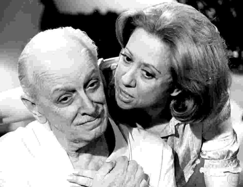 """Brilhante (1981): Segunda novela de Fernanda na Globo. """"A peste Chica Newman, riquíssima, acabou nos braços do apaixonado motorista (Claudio Marzo)"""", conta - Nelson Di Rago/Globo"""