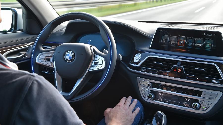 BMW com tecnologia autônoma - Divulgação