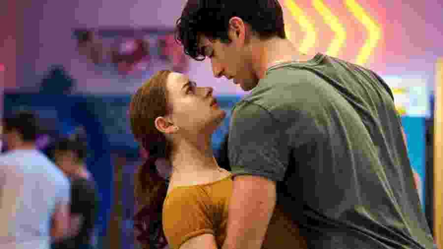 """Elle (Joey King) e Marco (Taylor Zakhar Perez) em """"A Barraca do Beijo 2"""" - Marcos Cruz/Netflix"""