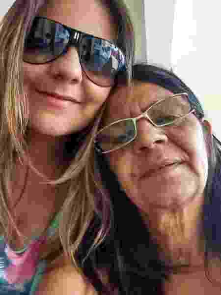 Natalia Szermeta, companheira de Guilherme Boulos, com a mãe, dona Maria do Carmo - Acervo pessoal - Acervo pessoal
