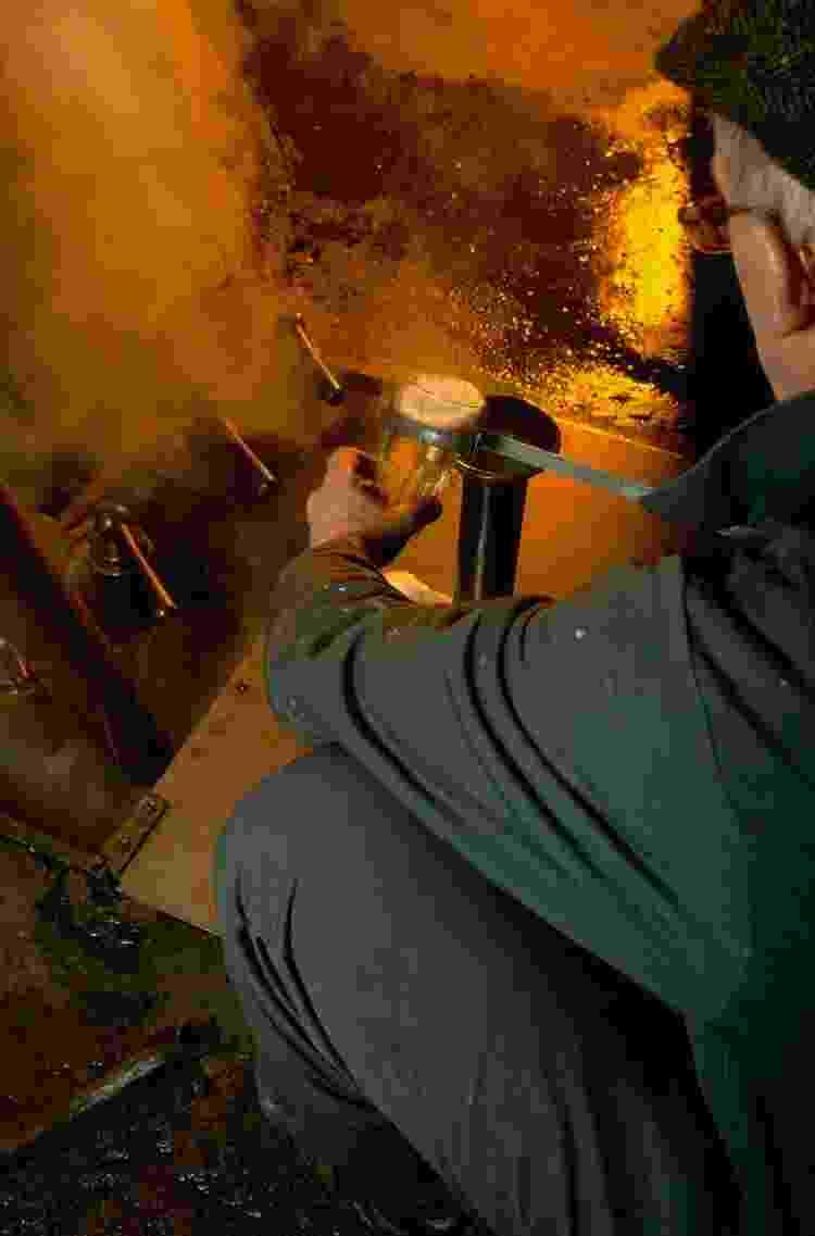 Processo de produção de Lambics, na cervejaria Cantillon - Maurice ROUGEMONT/Gamma-Rapho via Getty Images - Maurice ROUGEMONT/Gamma-Rapho via Getty Images