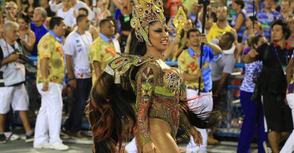 9.fev.2016 - A rainha de bateria da Portela Patrícia Nery