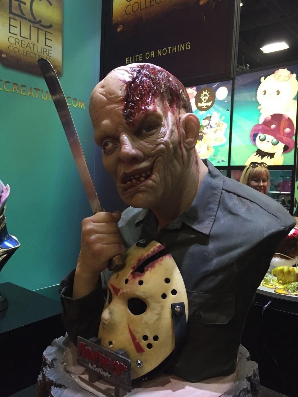 Boneco de Jason é exibido na San Diego Comic-Con 2016