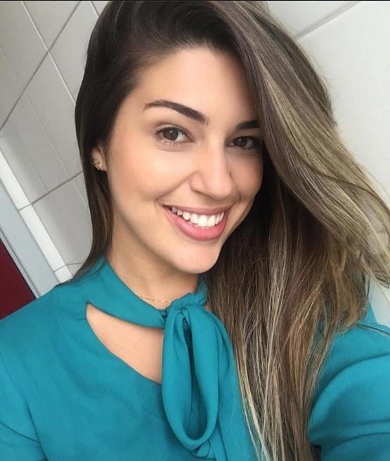 Vivian Amorim adora viajar e curtir baladas sertanejas