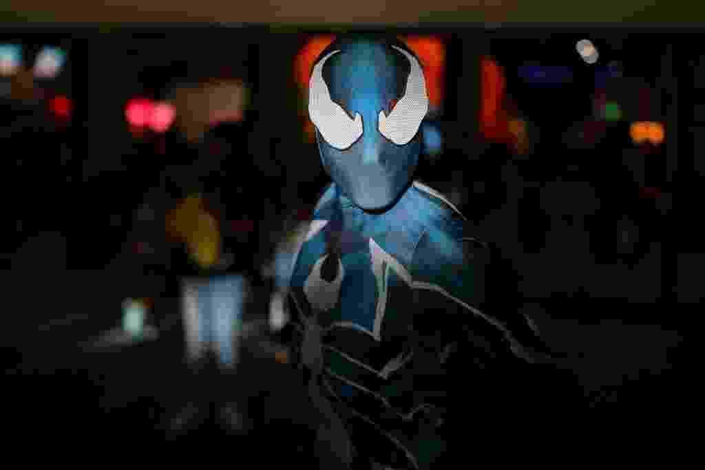 Homem-Aranha aparece em traje azul (ou seria verde?) - Mike Blake/Reuters