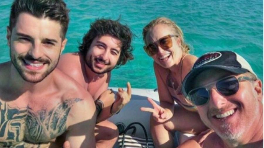 Alok, Marcos Zeeba, Angélica e Luciano Huck em passeio de barco - Reprodução/Instagram/imperioalok
