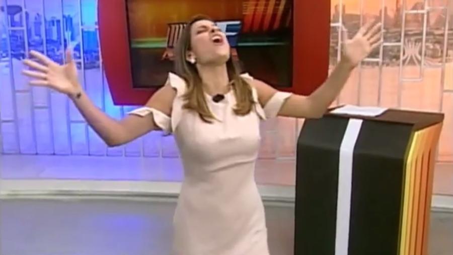 A apresentadora Nikole Lima, da TV Brasília, afiliada da RedeTV! no Distrito Federal - Reprodução/TV Brasília