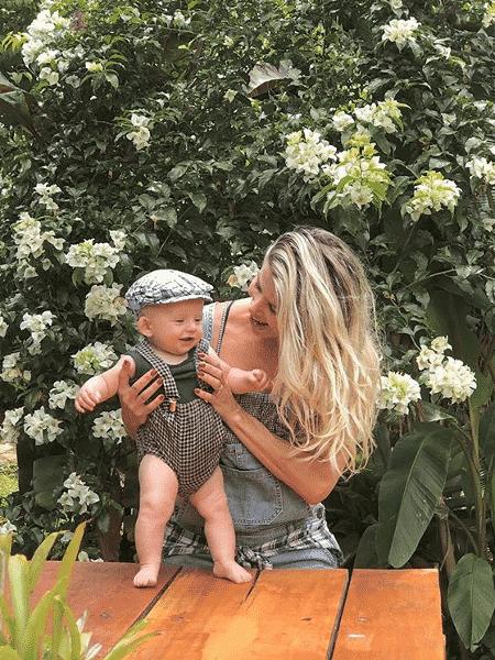 Karina Bacchi e Enrico curtem o fim de ano em uma fazenda - Reprodução/Instagram