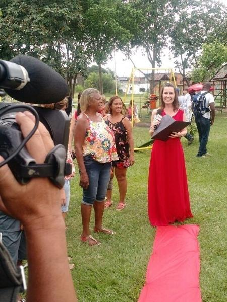 """Susana Naspolini usa vestido de gala para comemorar entrega de praça no """"RJTV"""" - Reprodução/Instagram"""