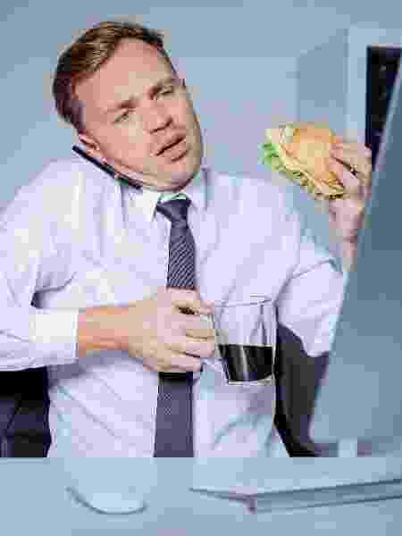 Quando está estressado, você tende a fazer escolhas ruins e comer coisas pouco saudáveis - iStock