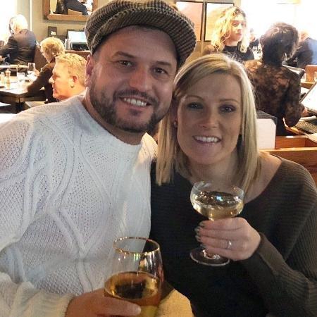 John e Daniella, o casal inglês que perdeu o anel de noivado na Times Square - Reprodução/Twitter