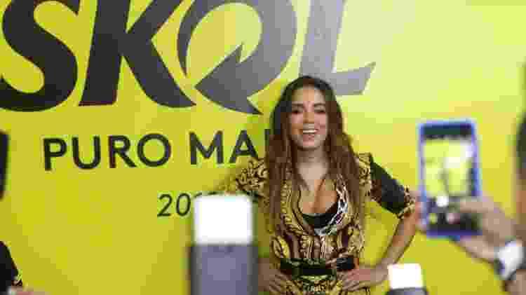 Anitta posa para foto no camarote da Skol, no Carnaval de Salvador - Daniel Delmiro/AgNews