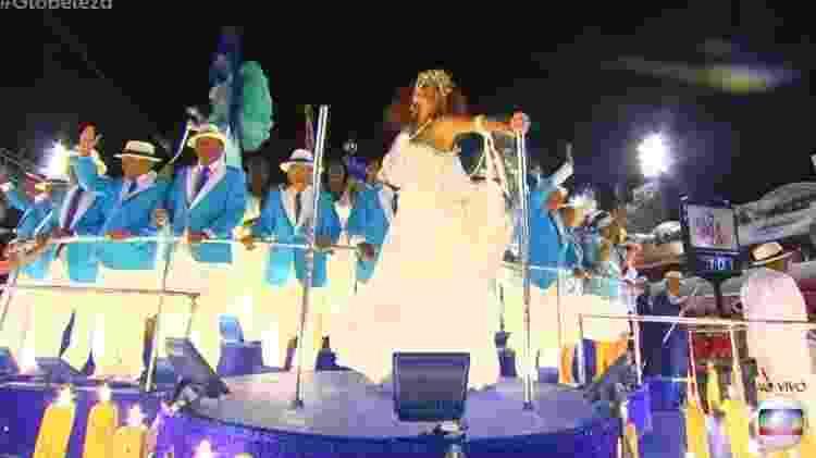 Emanuelle Araújo encarna Clara Nunes no desfile da Portela - Reprodução/Globoplay