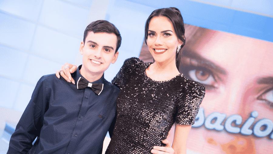 """Dudu Camargo em participação no """"Sensacional"""", de Daniela Albuquerque - Divulgação/RedeTV"""