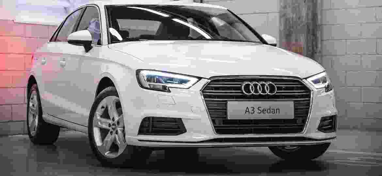 Audi A3 Sedan Prestige Plus 25 anos traz faróis full-LED e luz alta automática de série - Divulgação