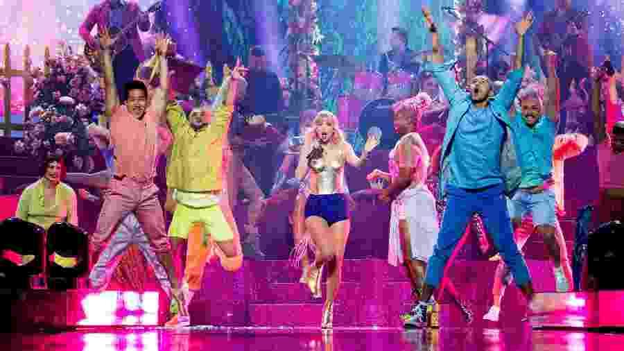 Taylor Swift canta em apresentação no VMA - John Shearer/Getty Images