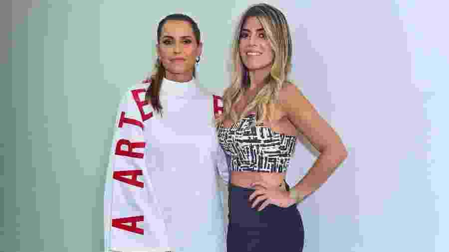 """Deborah Secco encontra Raquel Pacheco e usa vestido escrito: """"Arte resiste"""" - Leo Franco / AgNews"""